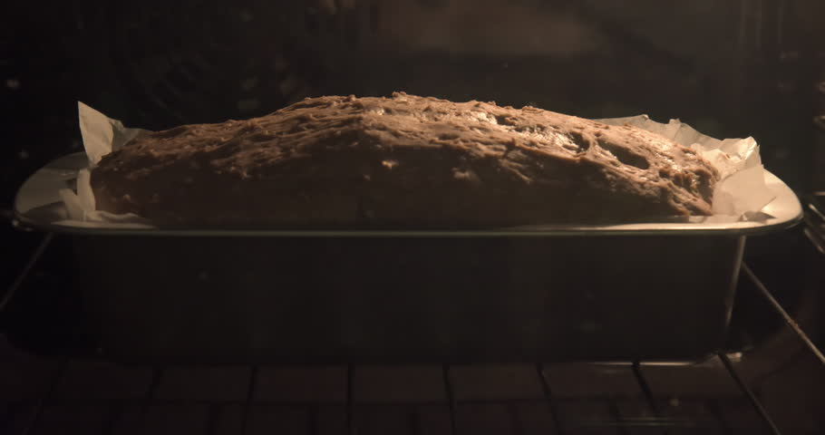 Baked bread loaf Time-lapse
