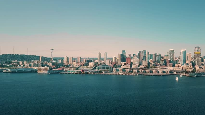 Seattle, Washington september-2017, Aerial view of Seattle at sunrise with Space Needle and Mt. Rainier #1011014501