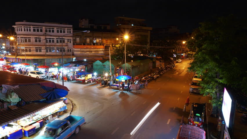 Time lapse Warorot Market or people in the area called Kad Luang. It is a local market that sells both day and night every day.
