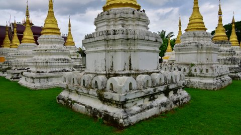 4K time lapse video of Chedi Sao Lang temple, Thailand.