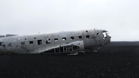 dc 3 plane wreck iceland smooth tracking shot