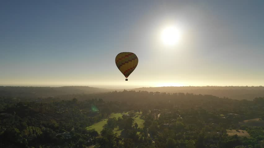 Hot Air Ballooning #1016571001