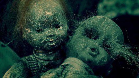 CREEPY MOM DOLL AND HER CHILD, IN 4K HLG