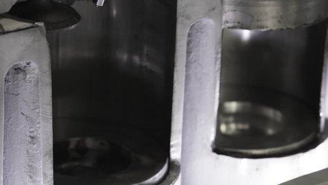 Working Engine movement pistons