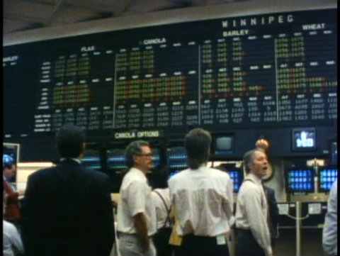 WINNIPEG, MANITOBA, 1990, Winnipeg Commodities Exchange, stockbrokers, boards