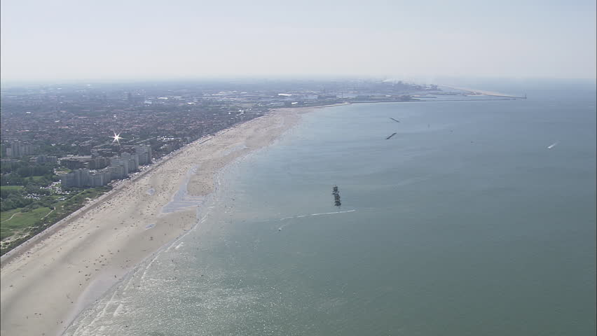 AERIAL France-Dunkirk 2007: Panoramic view of Dunkirk