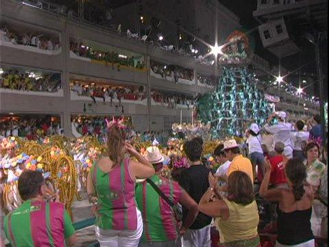 RIO DE JANERIO, BRAZIL, 2004, Carnival, Samba Parades, crowd, pyramid float