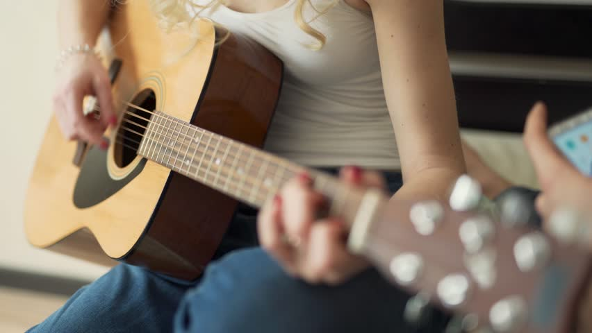 Guitar Notes Men/'s Tee Image by Shutterstock