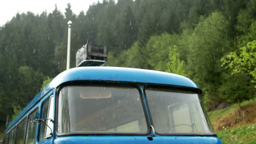 Retro bus, dolly shot of the rusted auto bus, 4k