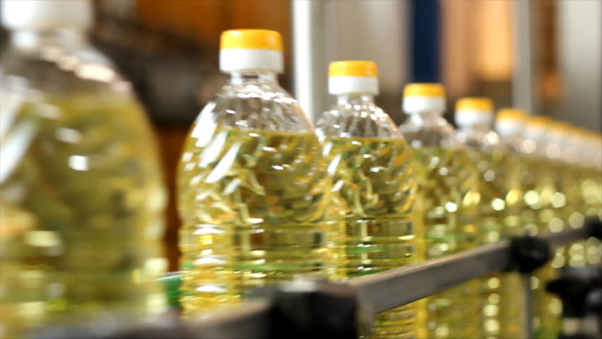 Production of sunflower oil in a factory