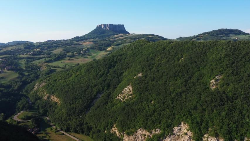The area of the Triassic Gypsum extends for about 10 km along the upper valley of the Secchia river between the Castelnovo ne' Monti and Villa Minozzo in the province of Reggio Emilia / Italy #1041373321