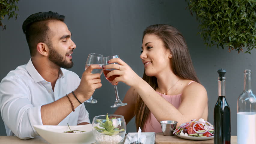 Pictures Of Romantic Couples Dating Anniversary Pics