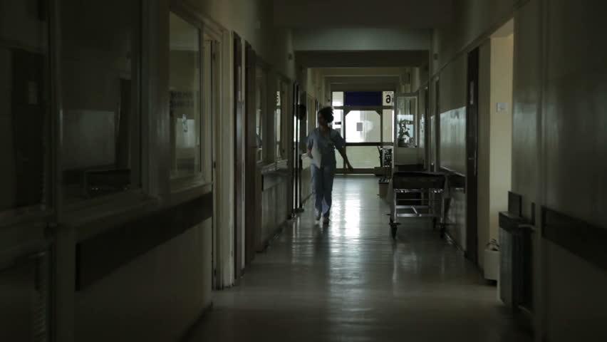 हैवानियत से अस्पताल भी मेहफ़ूज़ नहीं , चेंजिंग रूम में बनाया महिला का अश्लील वीडियो, वार्ड ब्वॉय गिरफ्तार।