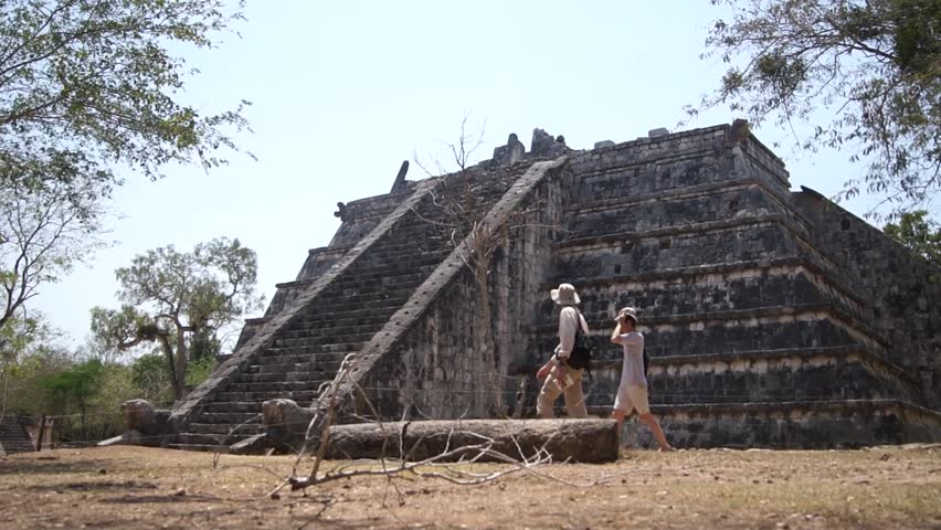 Tourists and pyramid in Chichen Itza