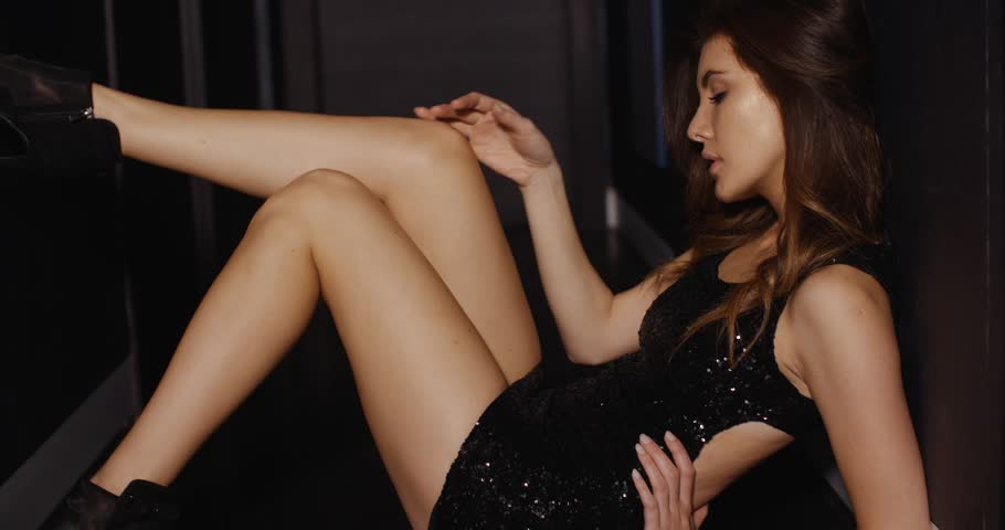 Pretty Young Sexy Lady In Dark Corridor She Sitting On The -8265