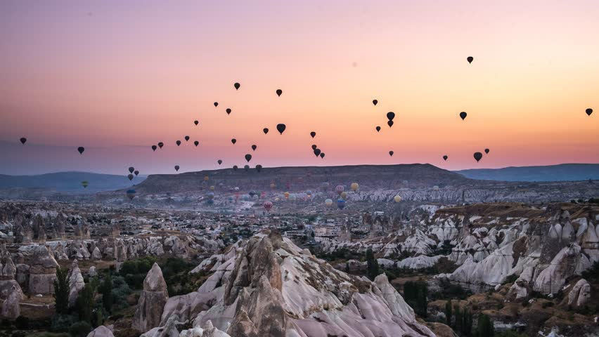 4K Timelaps-Hot air balloons in morning at cappadocia