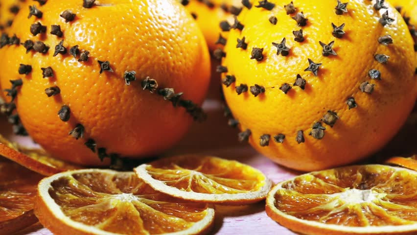 Dried Orange Slices And Oranges With Cloves Christmas Decorations