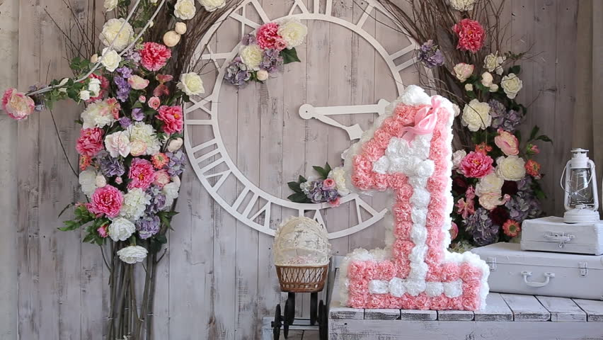 Photo studio interior decorations number one on floral for Number 1 decorations