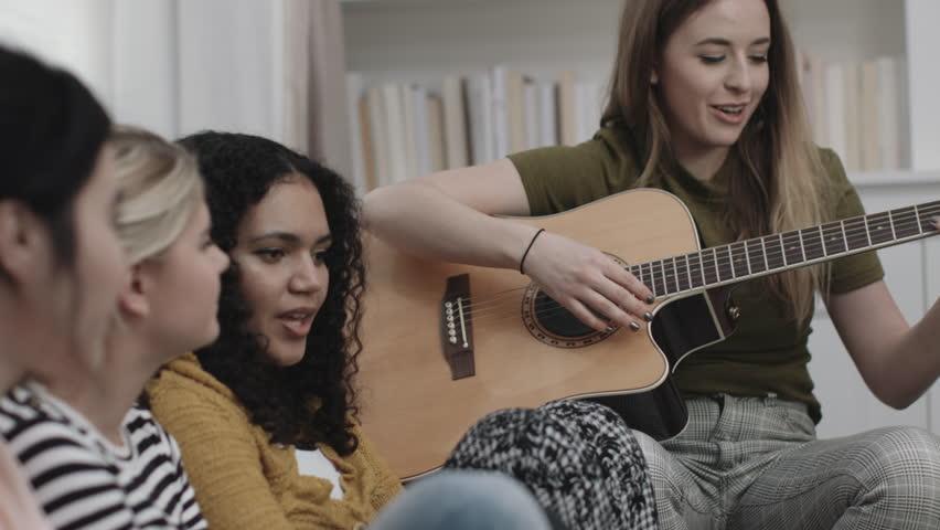 Girl singing groups video — pic 7