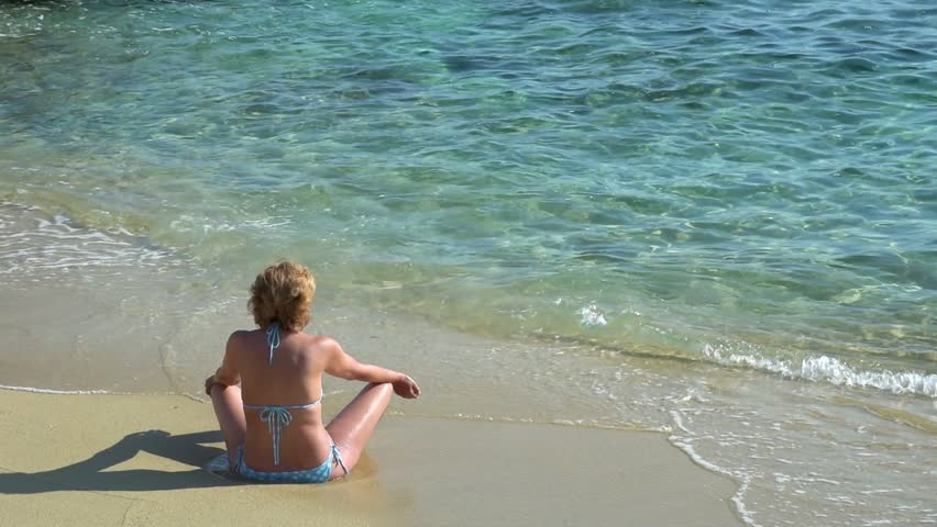d8d63e3e4 Woman in Bikini Sunbathing, Enjoying, Video de stock (totalmente libre de  regalías) 18280861 | Shutterstock
