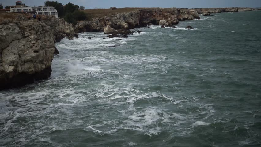 Crushing Waves And Volcanic Cliffs - Kaena Point State Park