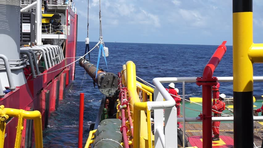 SARAWAK, MALAYSIA - JANUARY 31ST, 2017 :Lifting activity by rigger team on the offshore vessel during recovery spool pipe in the sub sea at Sarawak Operation, South China Sea, Malaysia.