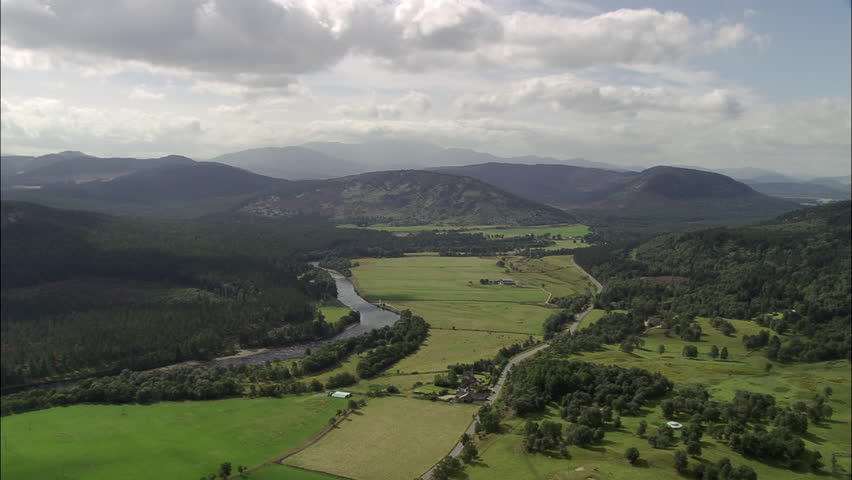 River Dee Landscape Leading To Balmoral
