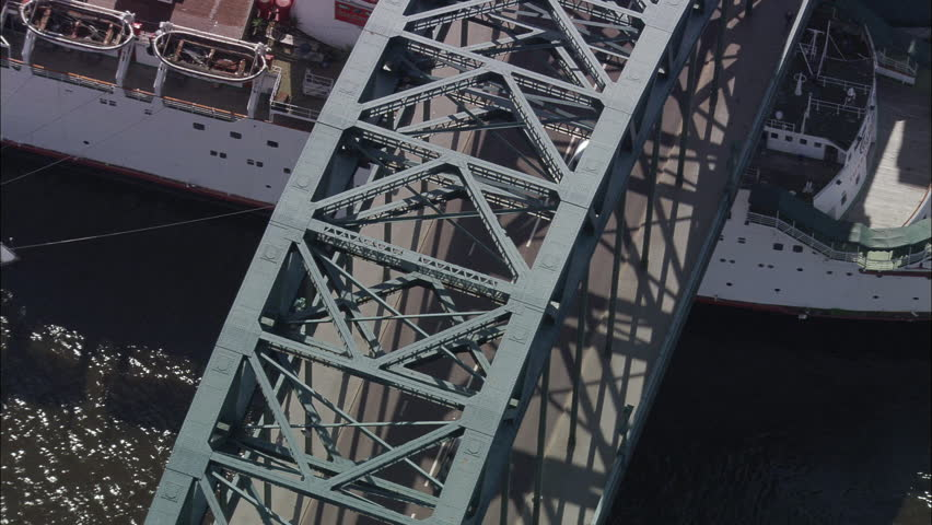 Tyne Bridge In Cs And Pull Out To High Wide