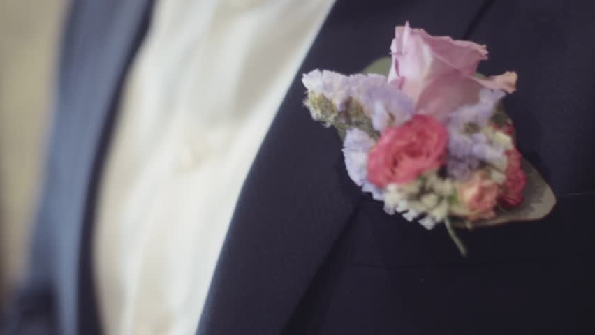 Header of boutonniere