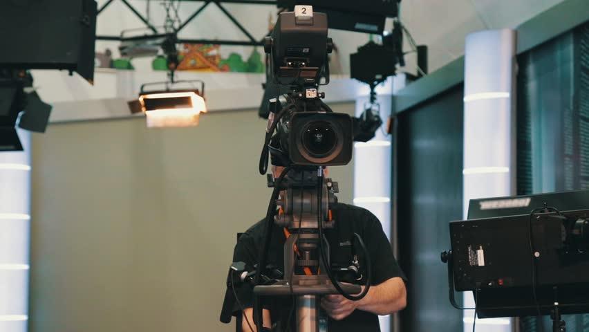 TV operator install video camera for shooting | Shutterstock HD Video #27105031