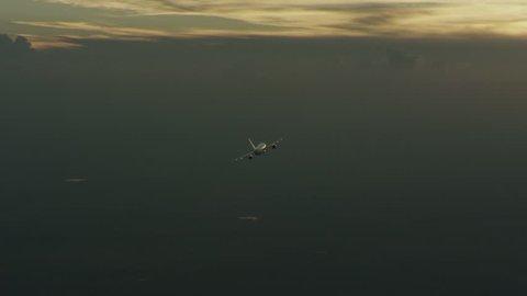 Flying plane 07 - Avion volando 07