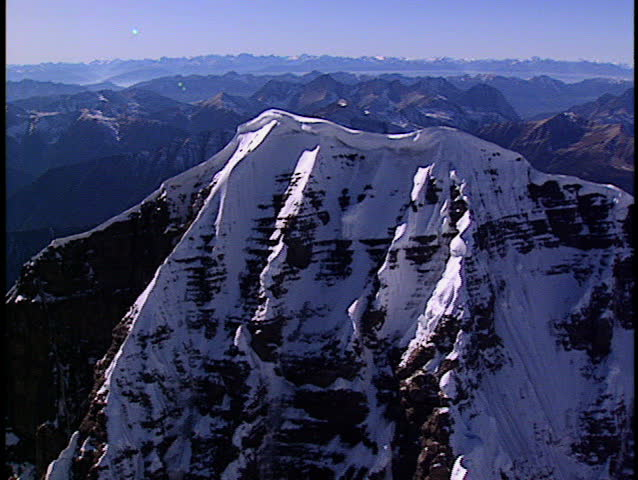 Fly around the summit of Mount Assiniboine 1