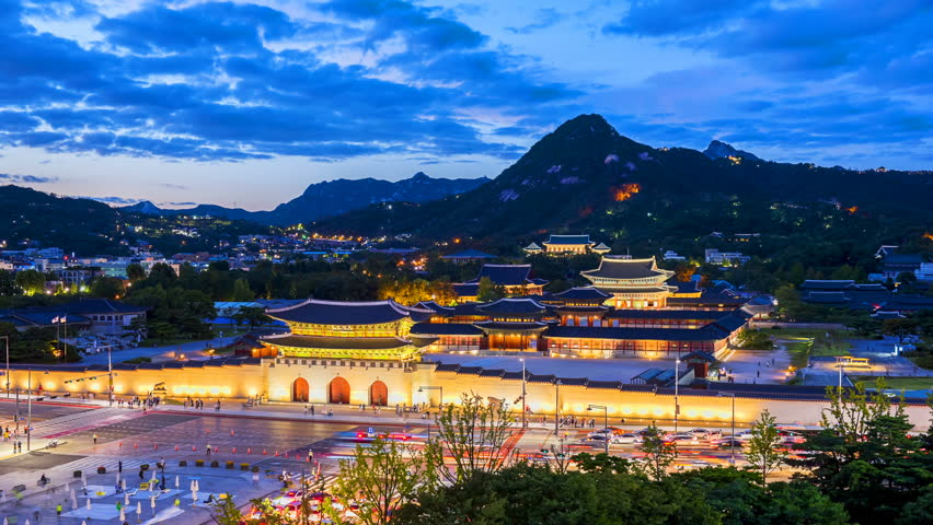 Time lapse of Gyeongbokgung palace and traffic speeds of car light in Seoul,South Korea