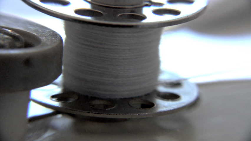 Extreme Macro - Sewing machine - spinning a bobbin