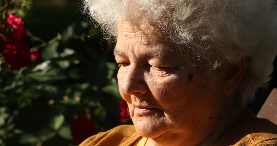 проснулся того, видео старые женщины оленька хочет поговорить