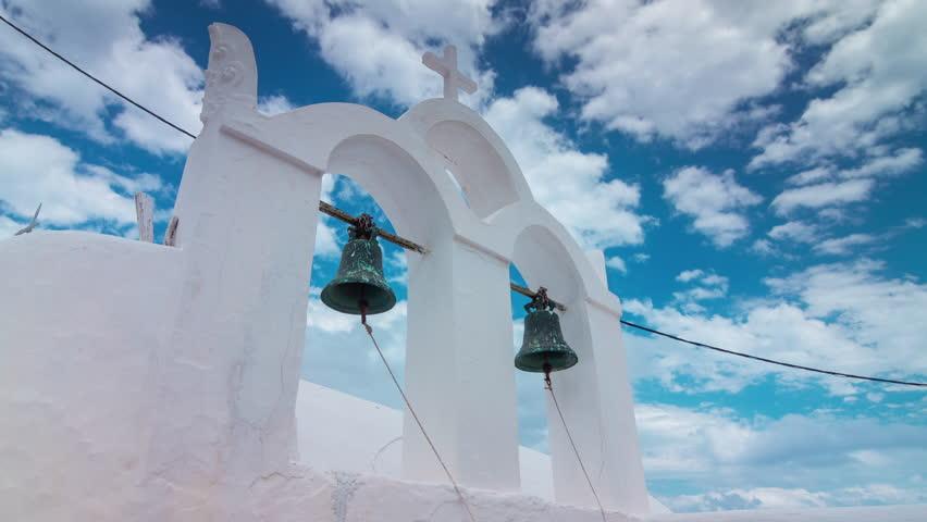 Sunny day santorini island oia town bell coastline panorama 4k timelapse greece