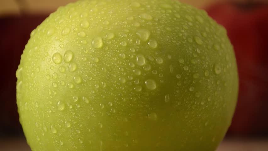 1 Green Apple, 2 Red Apples - Crane Down