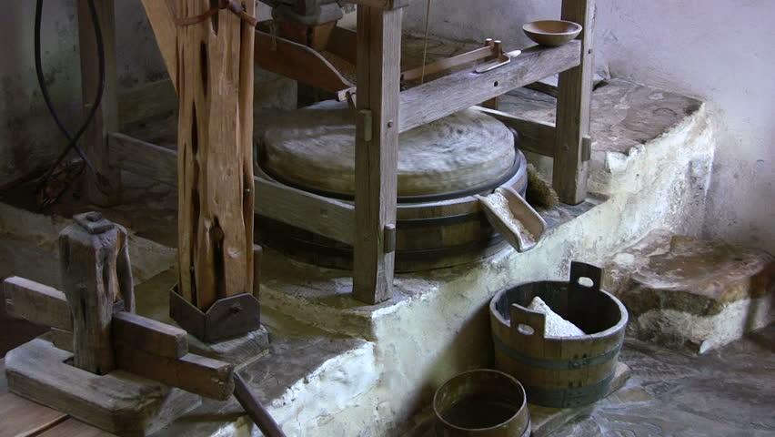 Мельница на каменных жерновах своими руками