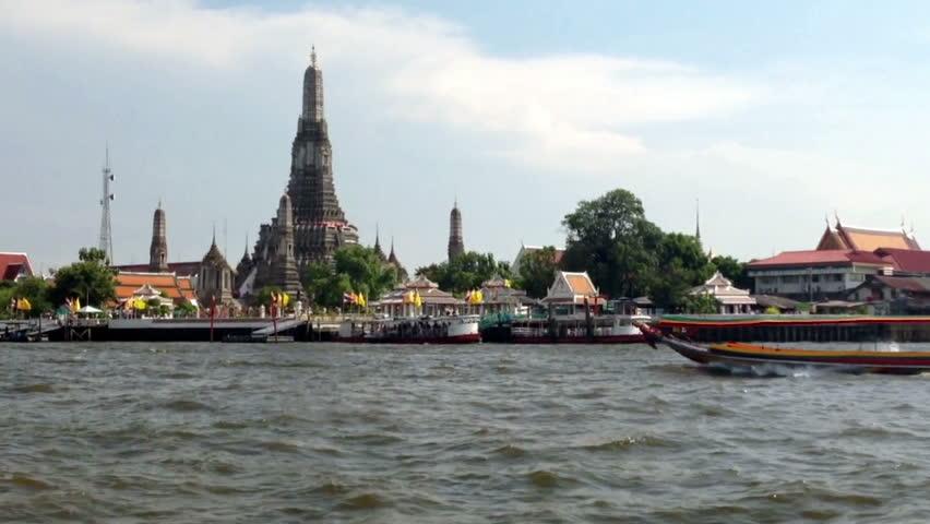 Wat Arun Temple (Temple of Dawn) is one of Bangkok Tourism landmark