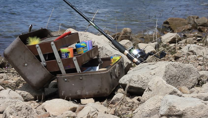 Contamination in marine currents drag garbage to the for Drag net fishing