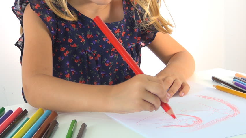 Child Drawing her Family, Kindergarten Girl Learning to Draw, Writing, Coloring