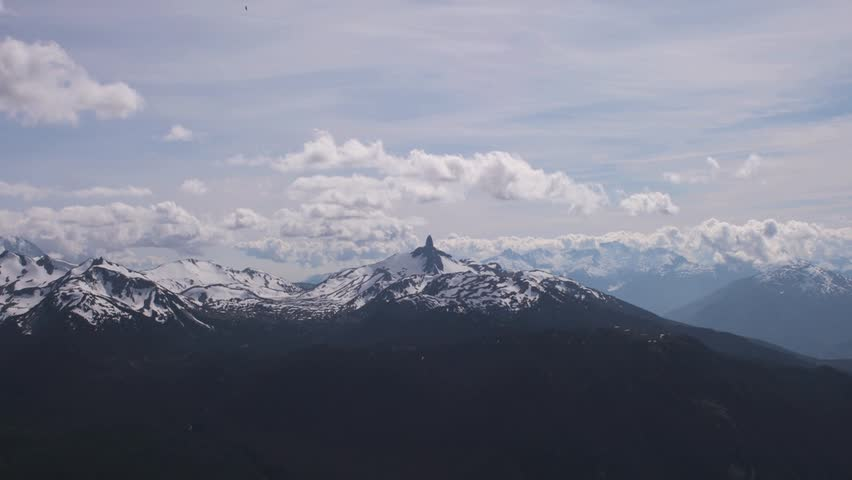 EPIC SNOWY MOUNTAIN TIME-LAPSE WITH ZOOM