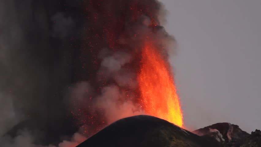 Eruption Etna volcano