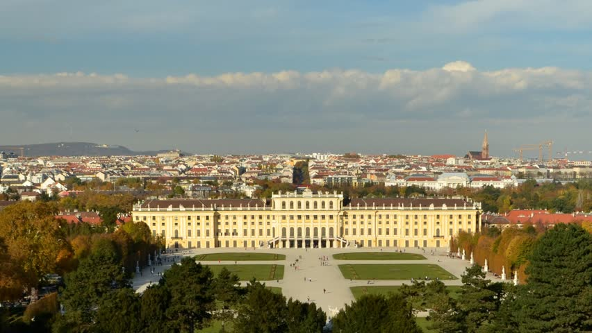 Time lapse of Shonbrunn Palace in Vienna, Austria
