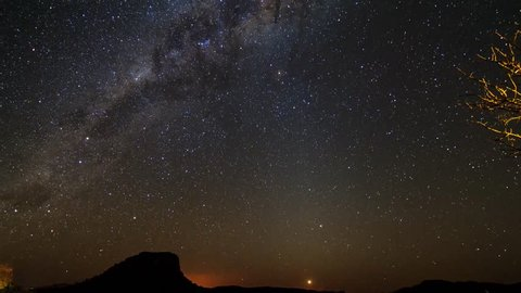 Beautiful 4K ULTRA HD 30fps timelapse of the moon and venus followed by the Milky way, seen from Isalo, Madagascar