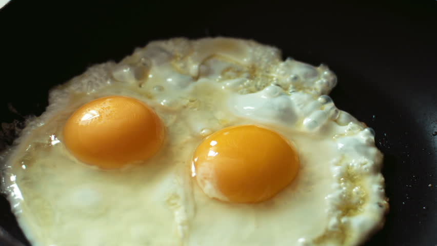 cooking fried eggs timelapse (hd, 1920x1080, high definition, 1080p)