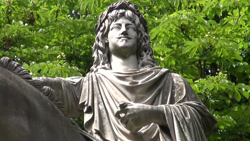 King of France statue in Paris city park | Shutterstock HD Video #6562271