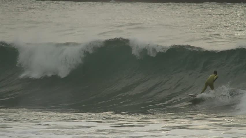 tittie-pics-petite-xs-the-waves