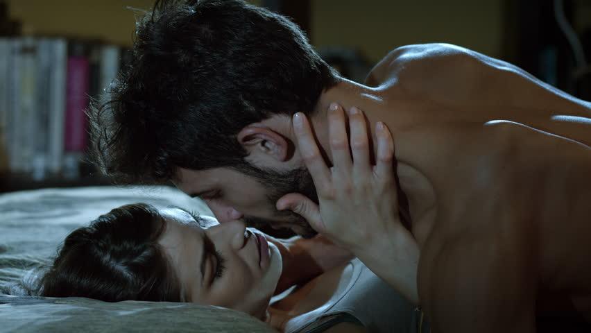 Секс про любовь на кровать