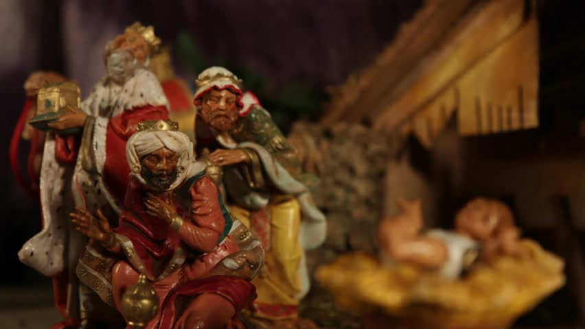 NATIVITY: 3 Wise Men with Baby Jesus in foreground
